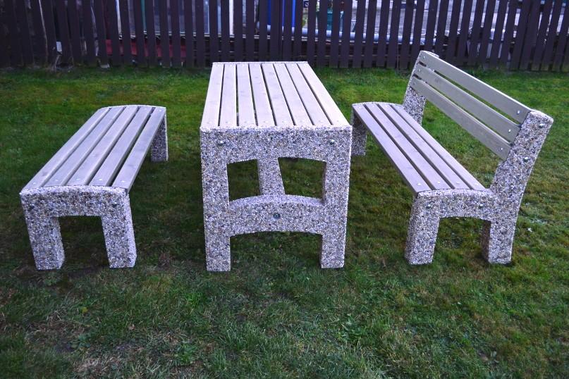 Betonový nábytek